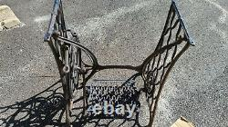 1884-1886 SINGER Sewing Machine Treadle Cast Iron Stand Base Steam Punk Repurpos