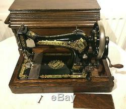 1909 Vintage Singer 28K Handcrank Sewing Machine, vintage quilting sewing