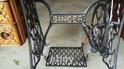 1917 Singer Treadle Sewing Machine. Model 66 With 7 Drawers. Very Ornate