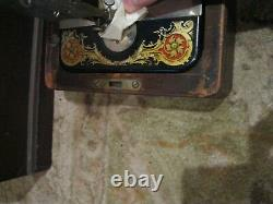 1921 Singer Sewing Machine Brentwood Case with Foot Pedal