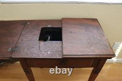 1926 Singer Sewing Machine with Singer No. 40 Sewing Table / Cabinet Dark Walnut