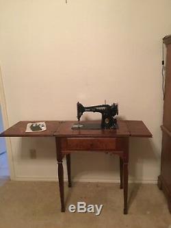 1950s Antique Singer Sewing Machine