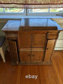 ANTIQUE Singer Sewing Machine Model #66 Tiger Oak Closed Cabinet Treadle
