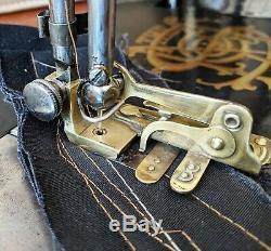 Amazing Antique Singer 15-31 industrial treadle sewing machine, accessories, c1904