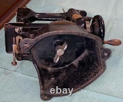 Antique 125-2 Singer Industrial Sewing Machine Rare