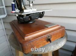 Antique 1905 Singer 24 Chain Stitch Hand Crank Sewing Machine with Bentwood Case