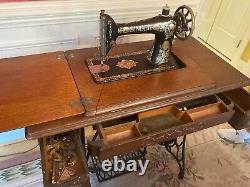 Antique 1910 Singer Sewing Machine Treadle Cabinet unbelievable condition rare