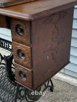 Antique 1910 Singer Sewing Machine with Treadle Oak Cabinet Cast Iron Base
