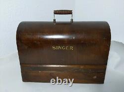 Antique 1922 Singer 99k Sewing Machine with Wood Case, Knee Pedal/Lever Vintage