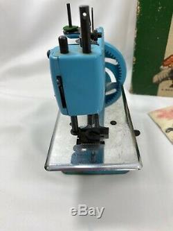 Antique 1954-1957 SINGER SEW HANDY Model 20 Pale Blue Sewing Machine