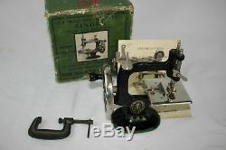 Antique Cast Iron SINGER SEWHANDY MODEL 20 SEWING MACHINE Toy NEAR MINT With BOX
