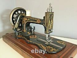 Antique Old Vintage Hand Crank Fiddle Base Singer Sewing Machine Model 12K