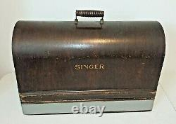 Antique SINGER Model 15 SEWING MACHINE from 1923, Gingerbread, withBent Wood Case