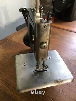 Antique Singer 24 Industrial Chainstitch Sewing Machine