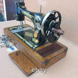 Antique Singer 28, 28K Hand Crank Sewing Machine