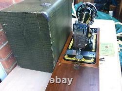 Antique Singer 28K Sewing Machine with Case and Instruction manual