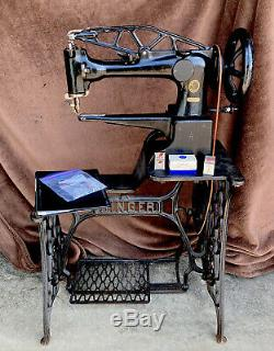 Antique Singer 29-4 Industrial Leather Cobblers Treadle Sewing Machine withManual