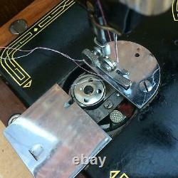 Antique Singer 99, 99K Hand crank Sewing Machine
