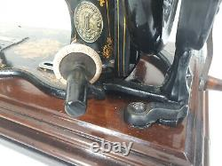 Antique Singer New Family Domestic 12K Sewing Machine Walnut case with key 1876