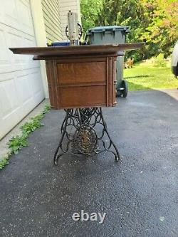 Antique Singer Sewing Machine Model 66 Red Eye Made in 1919