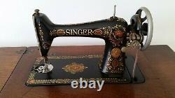 Antique Singer Sewing Machine in Original Cabinet Vintage 1911