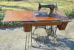 Antique Singer Treadle Sewing Machine Cabinet Table 4 Drawer Oak Cast Iron VTG