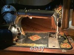 Antique Vintage Ornate Black Singer Sewing Machine Motor Light Cord Wooden Hood