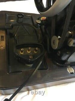Antique Vintage Ornate Black Singer Sewing Machine Motor Light Wooden Hood