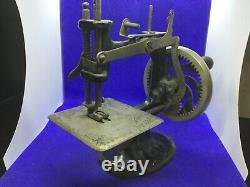 Antique vintage RARE Singer miniature Sewing machine cast iron Childs