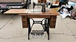 BEAUTIFUL Antique 1911 Singer 66-1 TREADLE Sewing Machine 7 Drawers GREAT Shape