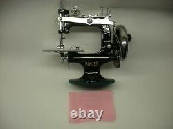Mib New Rare Antique Vintage Singer 20 K-20 Toy Small Child Sewing Machine 1990