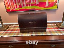 Nearly Antique Singer Sewing Machine Bentwood Case with Key c. 1924