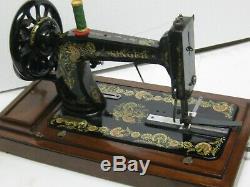 ORIGINAL ANTIQUE SINGER 48k CAST IRON HAND CRANK SEWING MACHINE WITH CASRRY CASE