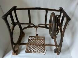 Rare 1912 cast iron Industrial Art Nouveau Singer Sewing Machine Treadle stand