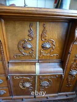 Rare Antique Singer Sewing Machine with embossed cabinet, Antique furniture 1912