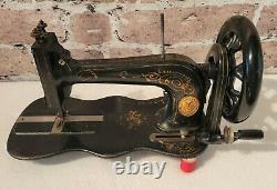 Rare & Beautiful 1877 Singer Model 12 New Family Fiddle Base Sewing Machine