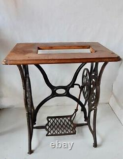 Rare pre 1900 Large Centre placed Logo Singer Sewing Machine Treadle stand