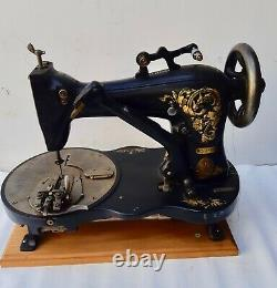 Rare vintage Industrial Singer 23-8 button hole sewing machine