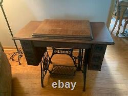 SINGER Manual Antique Sewing Machine with Table Model-27 Manufactured 1911