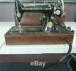 SINGER SEWING MACHINE MODEL 99K Knee Bar Lever Wood Case Accs 1927