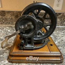 Singer 12K Antique 1879-80 Fiddle Base Hand Crank Sewing Machine Acanthus Leaves