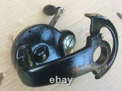 Singer 27K sewing machine wrap round Hand crank Attachment