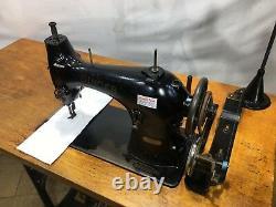 Singer 95k40 Antique Lockstitch Industrial Sewing Machine