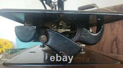 Singer Model 24 Portable Chain Stitch Sewing Machine In Wooden Case No Cord