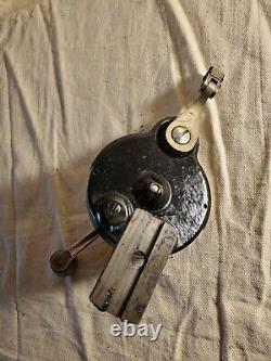 Singer Sewing Machine 28 Hand Crank 15 27 28 66 99 127 128 201