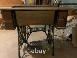 Singer Treadle Sewing Machine. Local pick up only