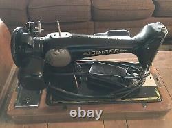 Singer sewing machine 201-2 Amazing condition Antique