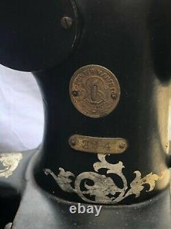 VINTAGE 1915 SINGER 29-4 INDUSTRIAL COBBLER LEATHER TREADLE SEWING MACHINE Works