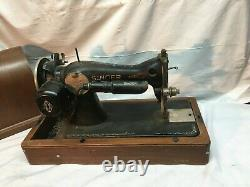 VINTAGE ANTIQUE 1900s SINGER CAST IRON Sewing Machine With case Electric