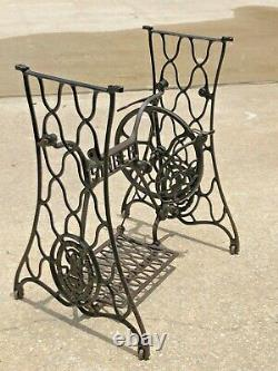Vintage 1920 Singer Treadle Sewing machine cast iron table BASE & LEGS ONLY